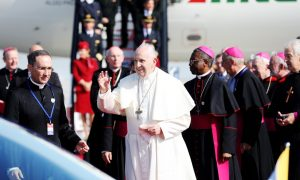 Aer Lingus and Alitalia Fly His Holiness Pope Francis