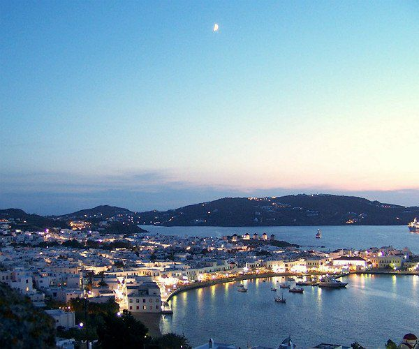 5 magical Mykonos villas match for a king