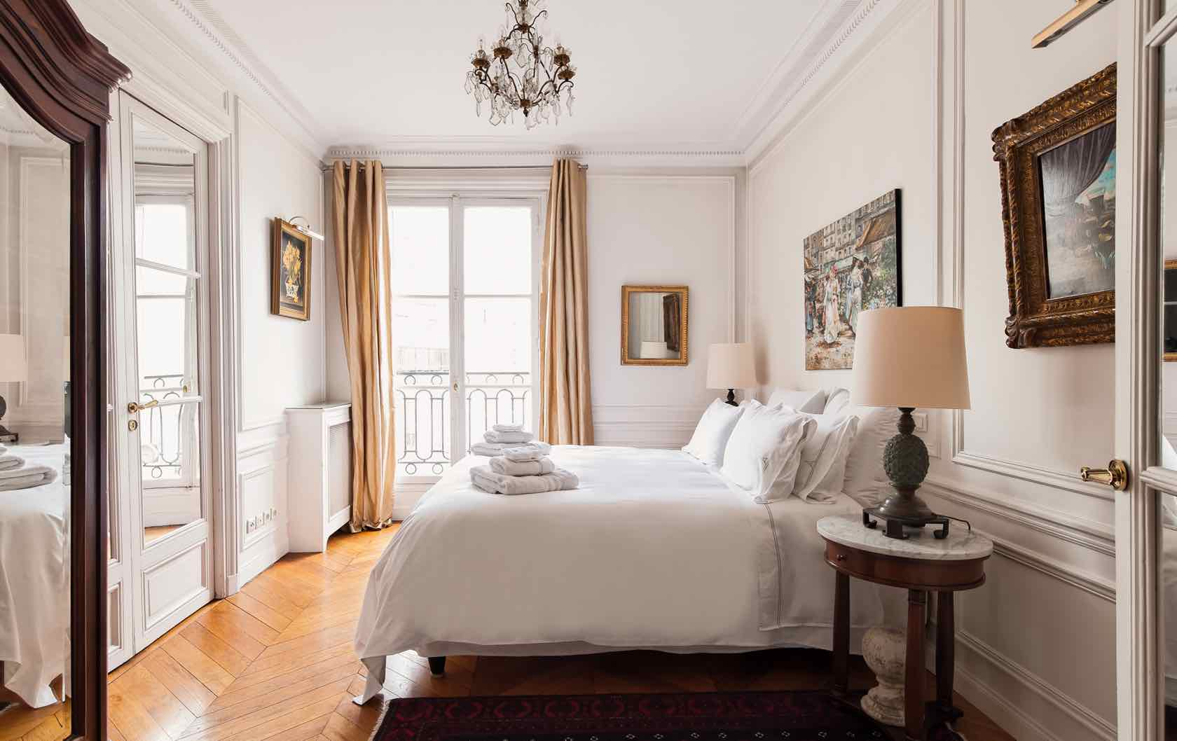 Large and Luxurious: 6 Perfect Paris Apartment Rentals for Your Family Vacation