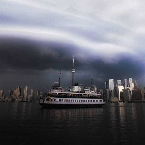 Photos and videos from today's Toronto storm  look apocalyptic