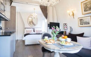 10 Reasons to Love the Crémant, the Latest Paris Perfect Shared Apartment