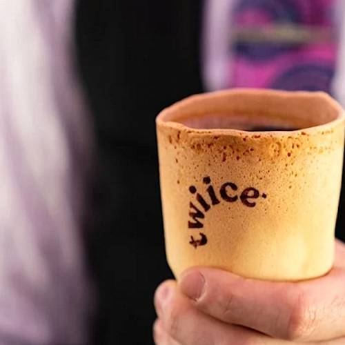 Air New Zealand Introduces Edible Cups