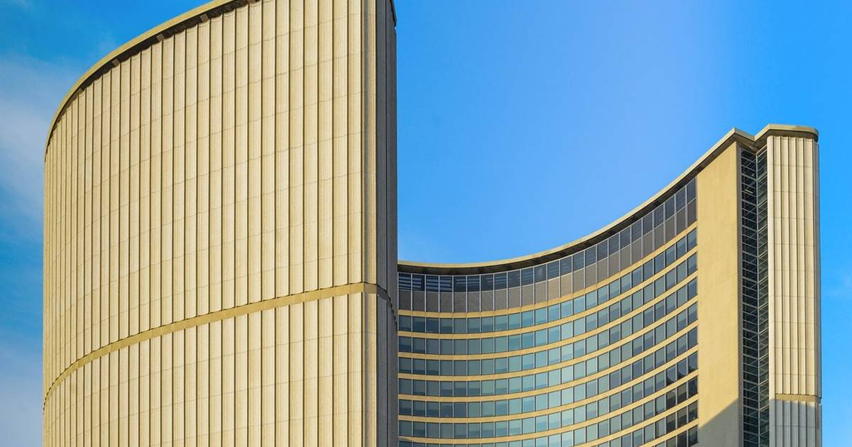 Toronto to close City Hall and all municipal buildings over COVID-19 outbreak