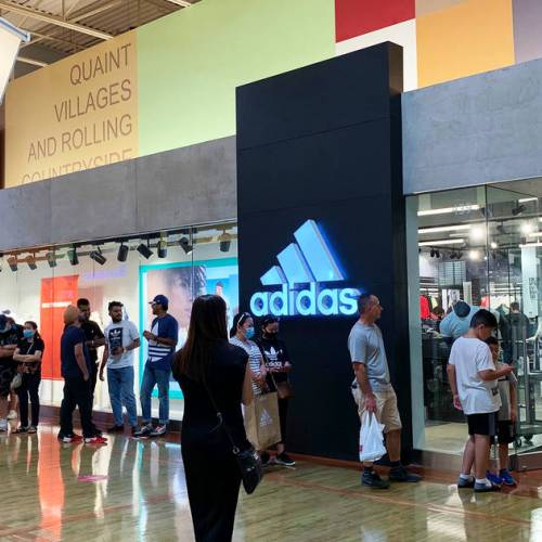 Shoppers are waiting hours to get into stores at Vaughan Mills