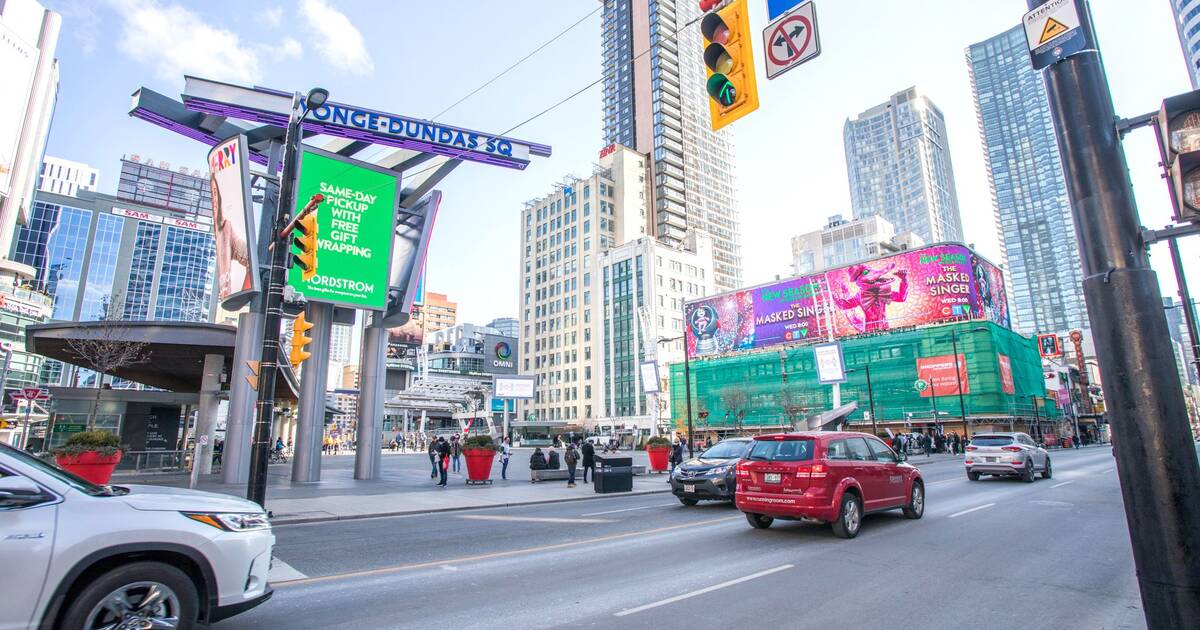People are sharing their unpopular opinions of Toronto and some are pretty harsh